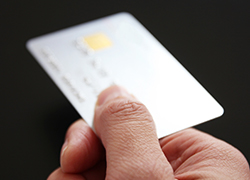 クレジットカード決済を代行する